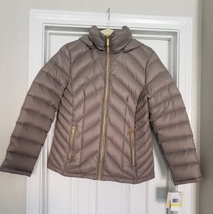 MICHAEL KORS MED TAUPE PACKABLE PUFFER
